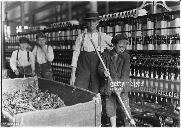 Sweeper and doffer boys in Lancaster Cotton Mills USA 1910