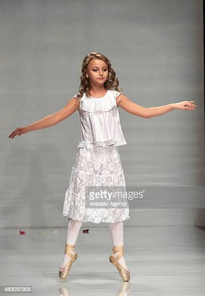 Russian Child Models Stock-Fotos und Bilder