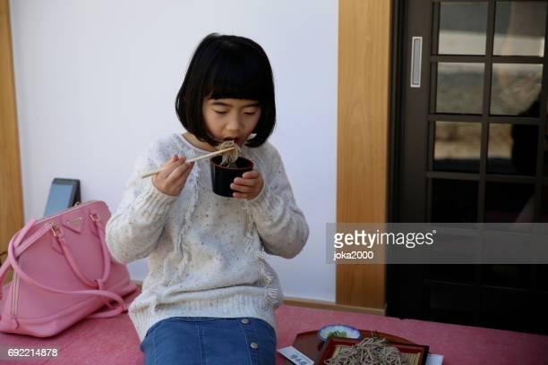 子供撮影うどん
