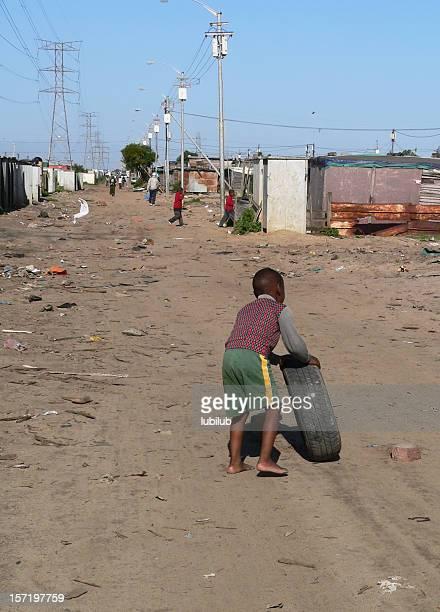 子供時代の不法占拠キャンプ-南アフリカ、ケープタウンます。