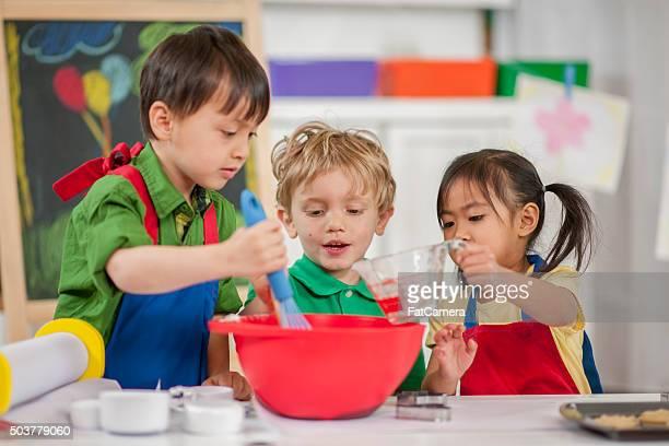 Les enfants à l'école de cuisine