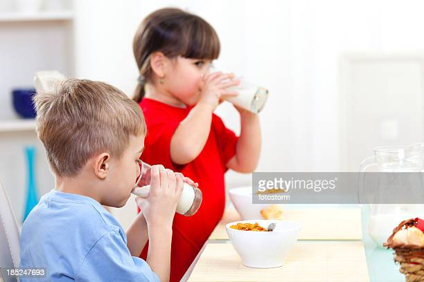 Children drinking milk