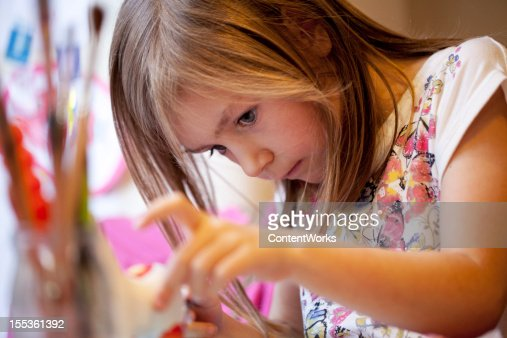 children: girl painting
