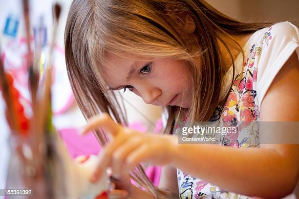 children: girl painting