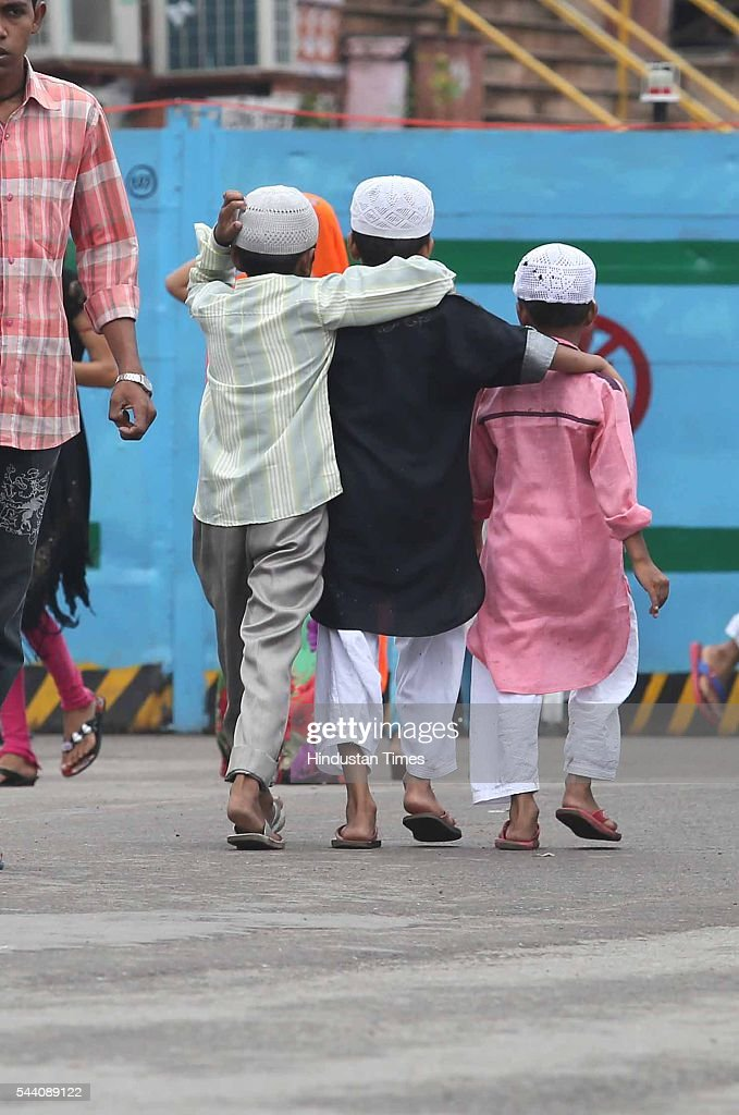 Children head for prayers of the last friday in the holy month of Ramjan on July 1, 2016 in Jaipur, India. Eid-Ul-Fitr will be observed in India on July 6 or 7, depending on the sighting of the moon. The submissions should be done till July 3, 11 am.