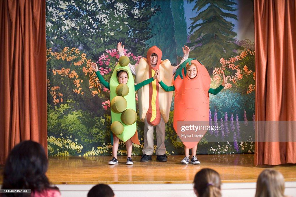 Children (9-5) in school play : Stock Photo