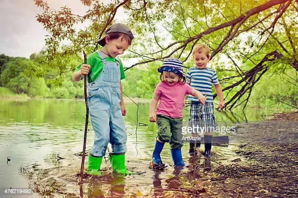 お子様の湖の近く