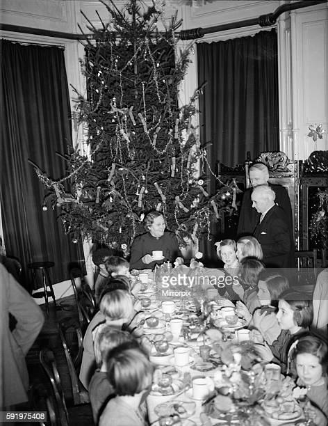 Children of St Rodean school Brighton evacuated to Keswick acting as hosts to schoolchildren evacuated from Tyneside at The Keswick Hotel December...