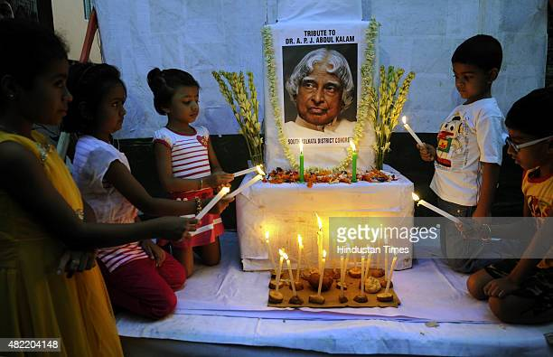 Children pay their tribute to the former President of India APJ Abdul Kalam who passed away yesterday on July 28 2015 in Kolkata India Kalam who...