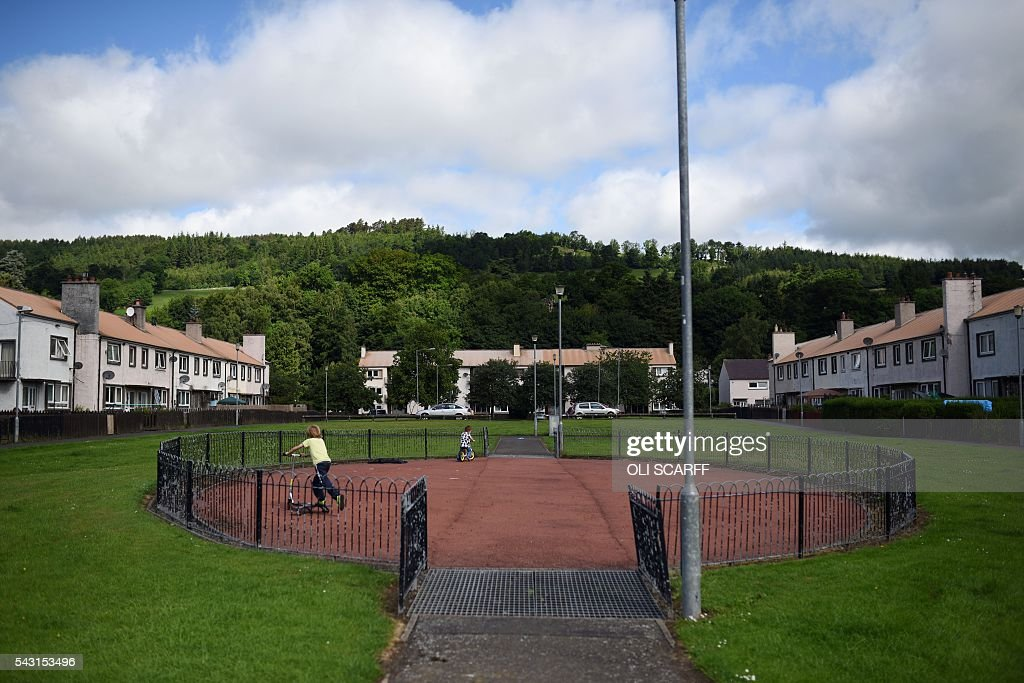 Children play in the border town of Selkirk in Scotland close to the border between England and Scotland on June 26, 2016. Scotland's First Minister Nicola Sturgeon campaigned strongly for Britain to remain in the EU, but the vote to leave has given the Scottish National Party leader a fresh shot at securing independence. Sturgeon predicted more than a year ago that a British vote to leave the alliance would give pro-European Scots cause to hold a second referendum on breaking with the UK. SCARFF