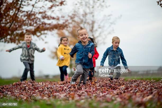 Crianças a brincar no Parque marca