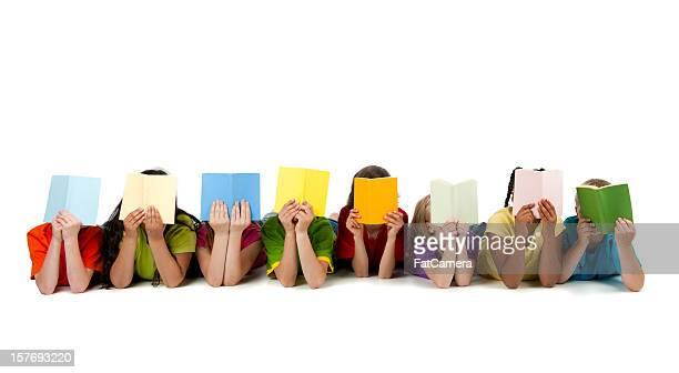 Crianças A ler livros