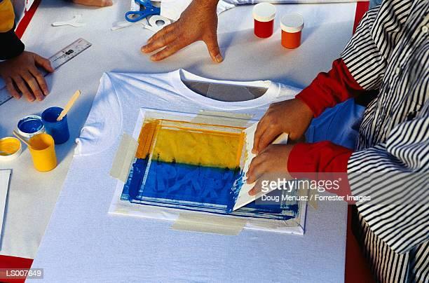 Children Sikscreening Tee Shirts