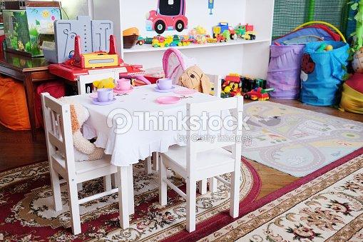 Stanza Dei Giochi Bambini : Stanza dei giochi per bambini foto stock thinkstock