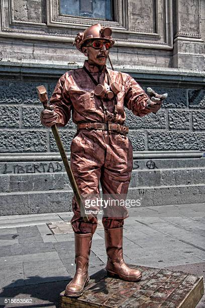 Chile living statue street entertainer