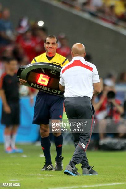 Chile manager Jorge Sampaoli questions the award of 6 added minutes of injury time