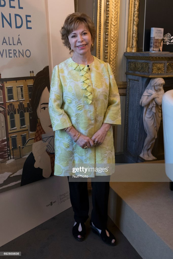 Chilean writer, Isabel Allende arrives to present her book 'Mas alla del invierno' in Madrid on June 5, 2017.