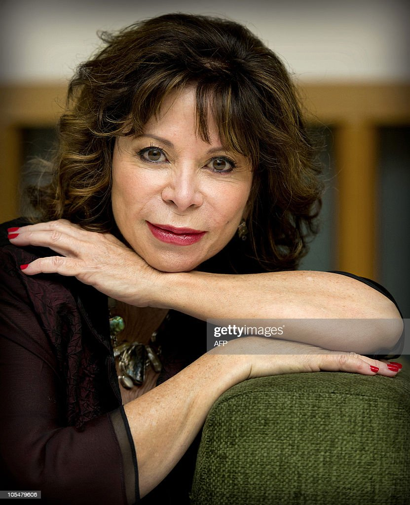Chilean writer Isabel Allende poses in Amsterdam, on October 15, 2010. AFP PHOTO/ANP/KOEN VAN WEEL ==netherlands out - belgium out==