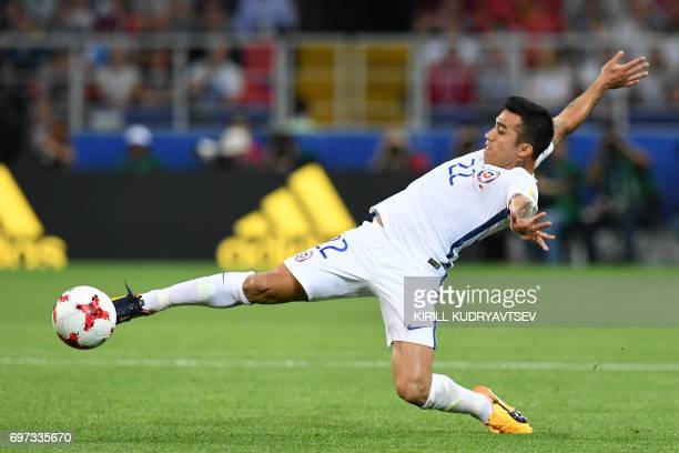 TOPSHOT Chile's forward Edson Puch controls the ball during the 2017 Confederations Cup group B football match between Cameroon and Chile at the...