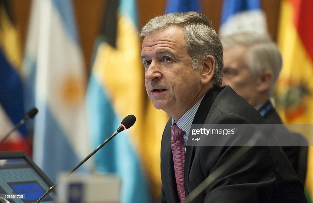 Chile's Minister of Finance Felipe Larrain speaks during the opening of the Community of Latin American and Caribbean States (CELAC) summit on December 14, 2012 in Valparaiso, Chile. AFP PHOTO / Claudio SANTANA