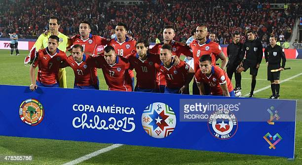 Chile's national team poses before their 2015 Copa America football championship quarterfinal match in Santiago on June 24 2015 AFP PHOTO / RODRIGO...