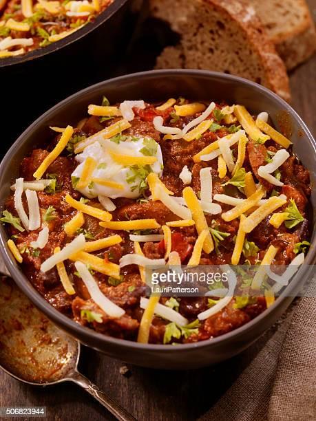 Chilli con peperoni, funghi e salsa