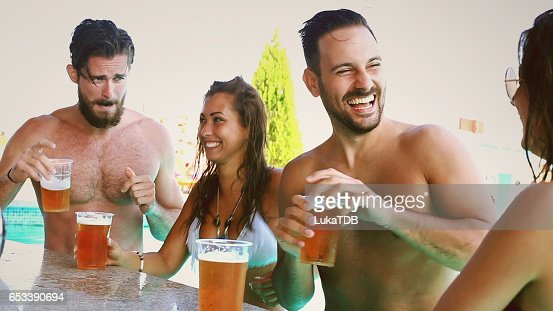 Chilling at the bar : Stockfoto
