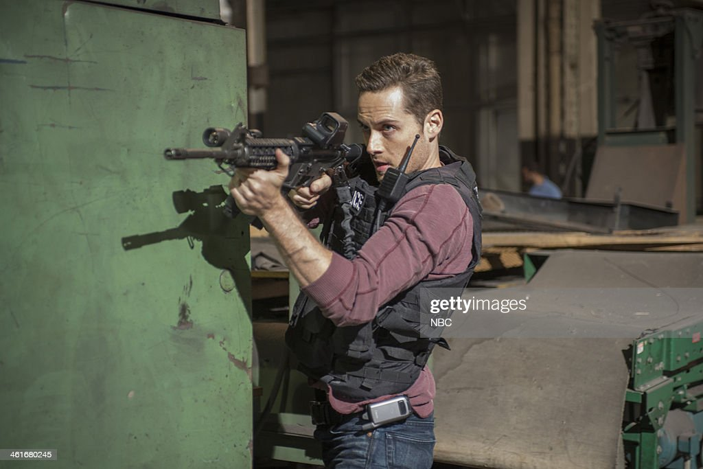 PD 'Chin Check' Episode 103 Pictured Jesse Lee Soffer as Jay Halstead