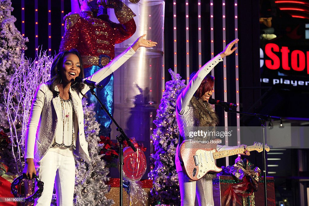 China Anne McClain (L) and Lauryn McClain perform at the 2012 Hollywood Christmas Parade Concert held at Universal CityWalk on November 20, 2012 in Universal City, California.