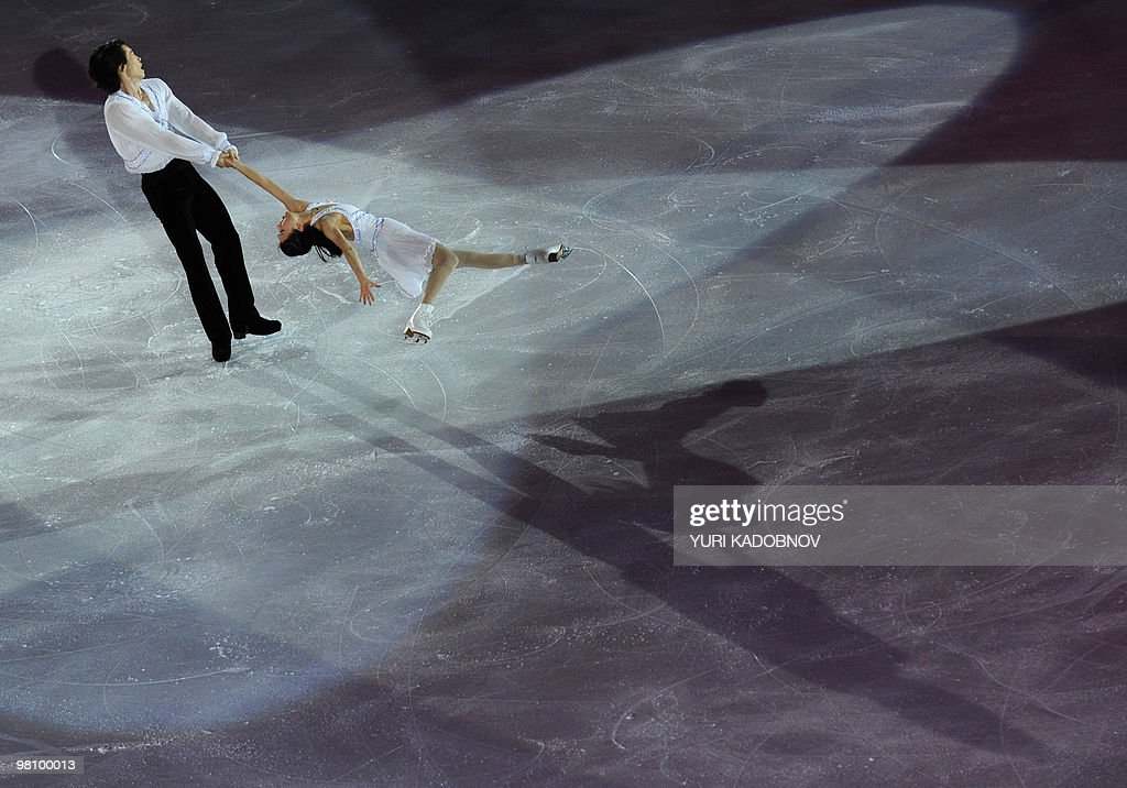 China's Qing Pang and Jian Tong perform during the exhibition gala of the World Figure Skating Championships on March 28, 2010 at the Palavela ice-rink in Turin.