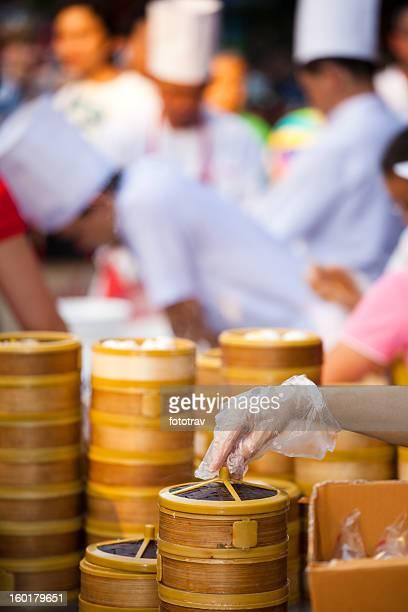 Chinesischer Kloß-Dämpfern in Bangkoks Chinatown