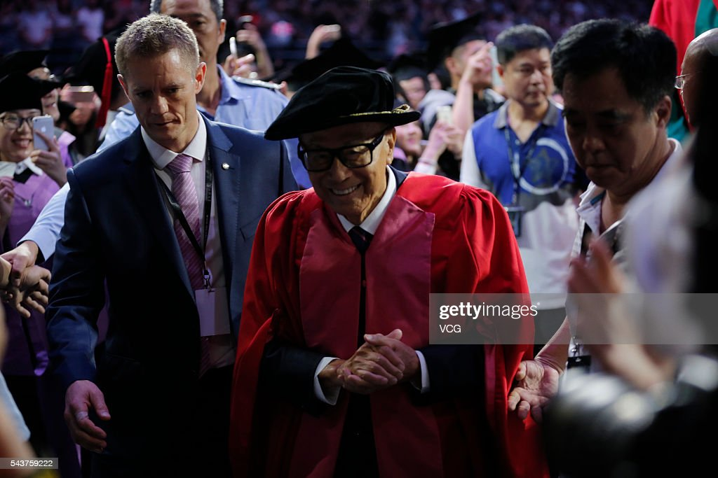 Chinese entrepreneur <a gi-track='captionPersonalityLinkClicked' href=/galleries/search?phrase=Li+Ka-shing&family=editorial&specificpeople=618931 ng-click='$event.stopPropagation()'>Li Ka-shing</a> arrives at graduation ceremony of Shantou University on June 30, 2016 in Shantou, Guangdong Province of China. Hong Kong business magnate, investor, and philanthropist <a gi-track='captionPersonalityLinkClicked' href=/galleries/search?phrase=Li+Ka-shing&family=editorial&specificpeople=618931 ng-click='$event.stopPropagation()'>Li Ka-shing</a> and former NBA player arrived at the graduation ceremony of Shantou University which is a key comprehensive university under the '211 Project' in the Guangdong province and also the only public university in the world that receives long-term funding from the Li Ka Shing Foundation.
