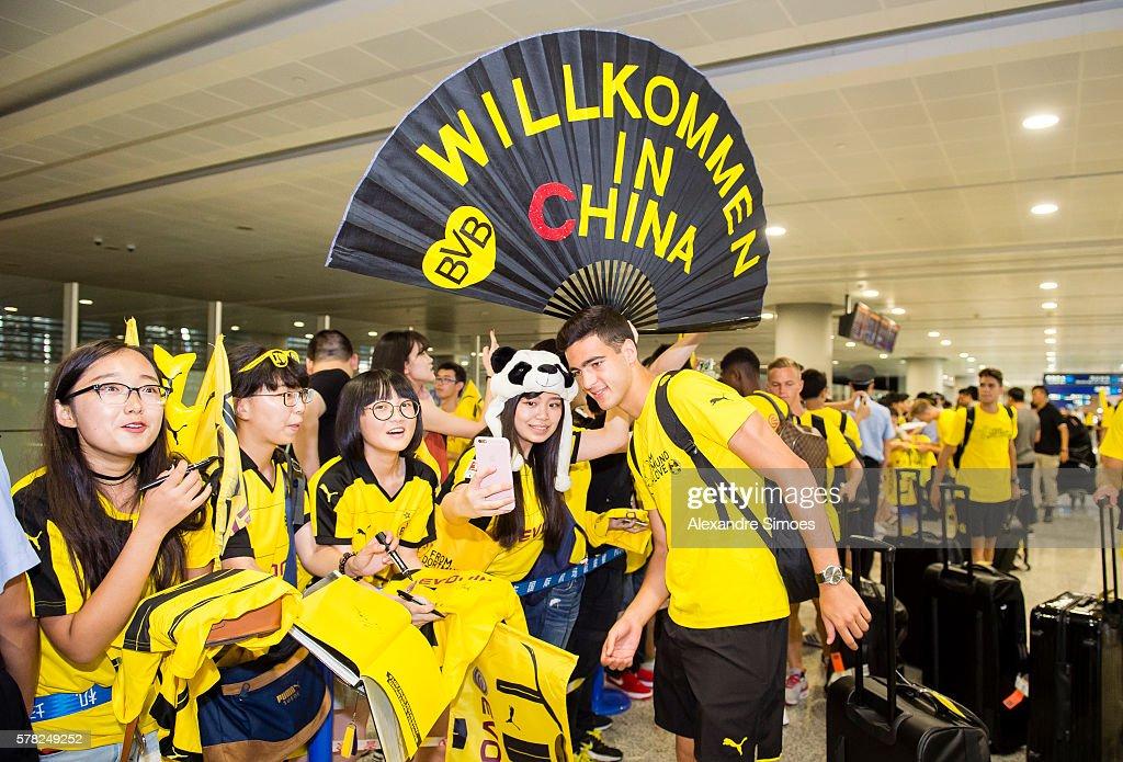 Risultati immagini per borussia dortmund china airport