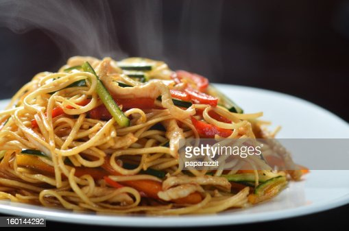http://media.gettyimages.com/photos/chinese-fast-food-picture-id160144292?s=170667a