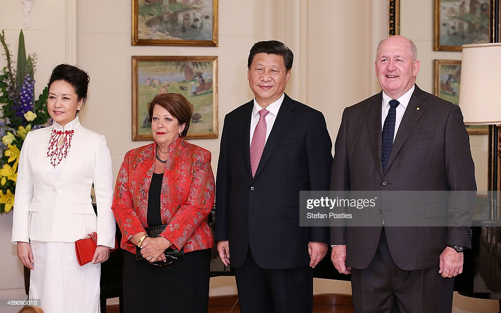 Chinese First Lady <a gi-track='captionPersonalityLinkClicked' href=/galleries/search?phrase=Peng+Liyuan&family=editorial&specificpeople=4379390 ng-click='$event.stopPropagation()'>Peng Liyuan</a>, Her Excellency Lady Cosgrove, President <a gi-track='captionPersonalityLinkClicked' href=/galleries/search?phrase=Xi+Jinping&family=editorial&specificpeople=2598986 ng-click='$event.stopPropagation()'>Xi Jinping</a> and Governor-General Sir <a gi-track='captionPersonalityLinkClicked' href=/galleries/search?phrase=Peter+Cosgrove&family=editorial&specificpeople=2499866 ng-click='$event.stopPropagation()'>Peter Cosgrove</a> pose for media at Government House on November 17, 2014 in Canberra, Australia. President <a gi-track='captionPersonalityLinkClicked' href=/galleries/search?phrase=Xi+Jinping&family=editorial&specificpeople=2598986 ng-click='$event.stopPropagation()'>Xi Jinping</a> of China will address parliament and attending meetings in Canberra following the G20 Leaders Summit in Brisbane.