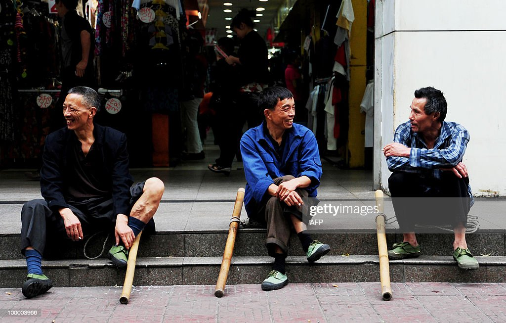 Chinese porters, also known as a 'Bang B