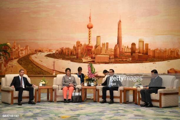 Chinese Premier Li Keqiang and German Minister for Economic Affairs and Energy Brigitte Zypries attend a meeting on May 15 2017 at the Great Hall of...