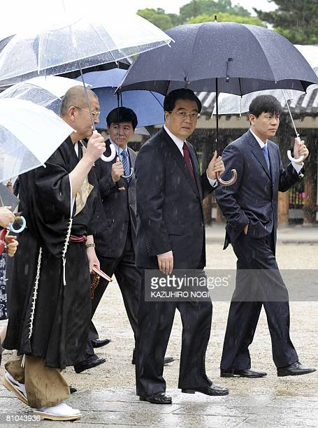 Chinese President Hu Jintao visits to the Horyuji temple in Ikaruga Nara Prefecture on May 10 2008 Hu is to visit tourist sites here wrapping up his...