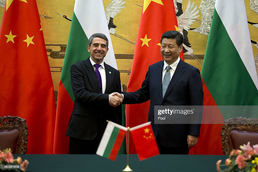 Chinese President <a gi-track='captionPersonalityLinkClicked' href=/galleries/search?phrase=Xi+Jinping&family=editorial&specificpeople=2598986 ng-click='$event.stopPropagation()'>Xi Jinping</a> (R) shakes hands with Bulgarian President Rossen Plevneliev after a signing ceremony at the Great Hall of the People on January 13, 2014 in Beijing, China. Rossen Plevneliev is on an official state visit from January 12-15 at the invitation of Chinese counterpart <a gi-track='captionPersonalityLinkClicked' href=/galleries/search?phrase=Xi+Jinping&family=editorial&specificpeople=2598986 ng-click='$event.stopPropagation()'>Xi Jinping</a>.