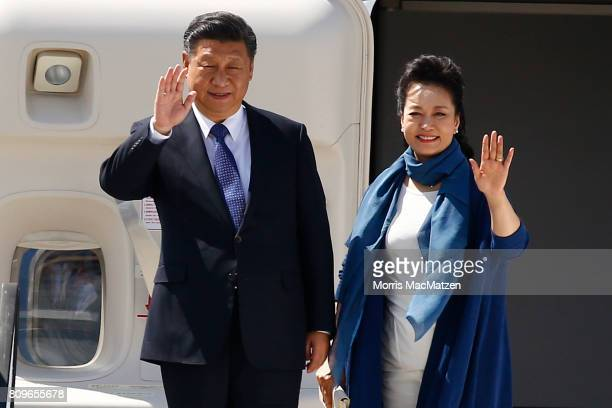 Chinese President Xi Jinping with chinese Lirst Lady Peng Liyuan arrive at Hamburg Airport for the Hamburg G20 economic summit on July 6 2017 in...