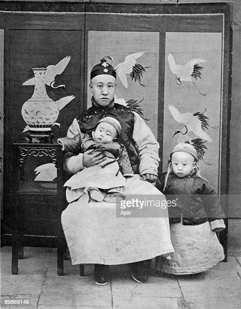 Chinese Prince Tchuen with his children Prince PuYi in 1908 with his brother Pu Chieh 1907
