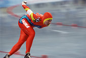 Chinese speed skater Manli Wang competes in the women's 1000m at MWave during the 1998 Winter Olympic games