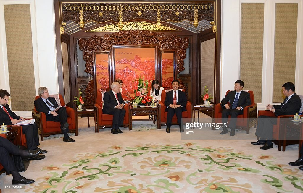 Chinese Vice President Li Yuanchao (3rd R) meets with Spain's Foreign Minister Jose Manuel Garcia-Margallo (2nd L) at Zhongnanhai government compound in Beijing on June 25, 2013. Garcia-Magallo is on a visit to China from June 25 to 26.