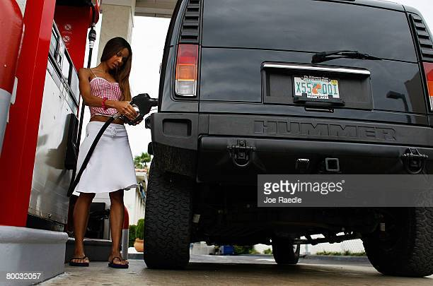 Chinya Onyewemjo puts $30 worth of fuel into her Hummer February 27 2008 in Miami Beach Florida Gas closed yesterday at $10088 a barrel on the New...