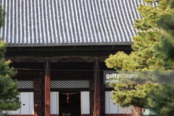 智恵帝廟 - 屋根と木