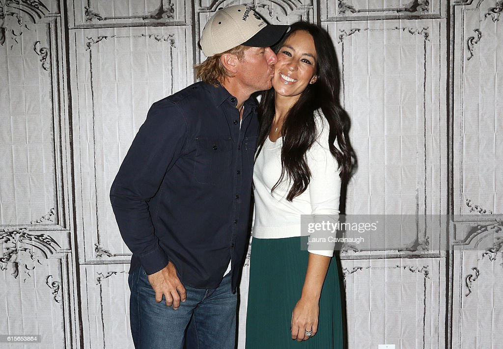 Chip Gaines and Joanna Gaines attend The Build Series to discuss 'The Magnolia Story' at AOL HQ on October 19, 2016 in New York City.
