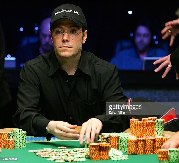 Chip leader Jamie Gold of California stacks his 54 million in chips after knocking the secondplace chip holder out of the final table of the World...