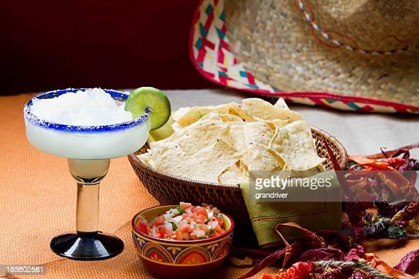 Chips, Salsa und Margarita