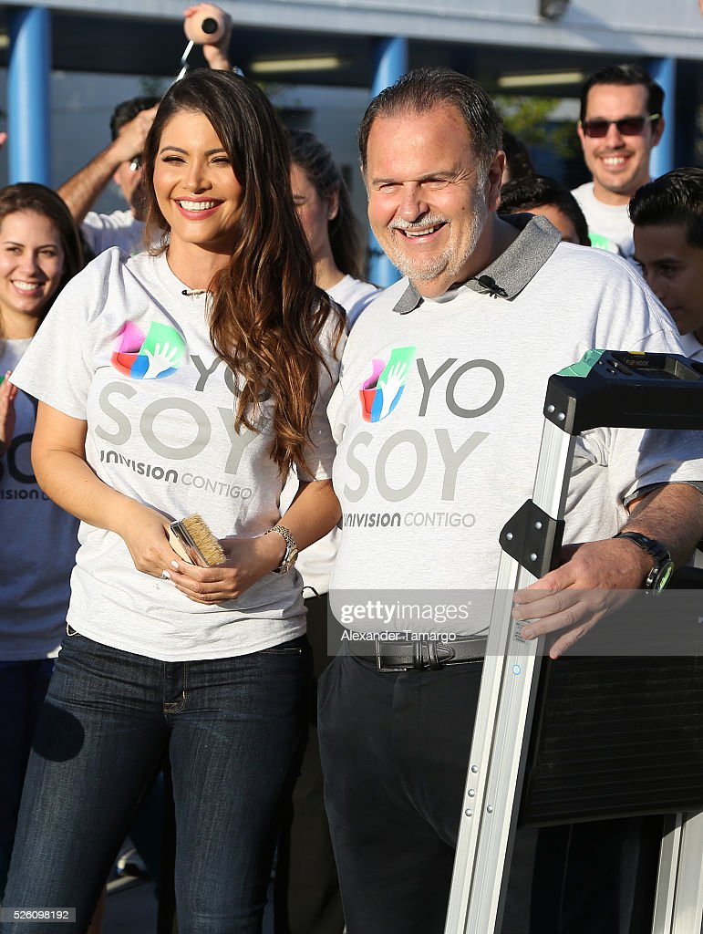 Chiquinquira Delgado and Raul de Molina are seen during Univision's Media Centers/Week of Service at Ruben Dario Middle School on April 29, 2016 in Miami, Florida.