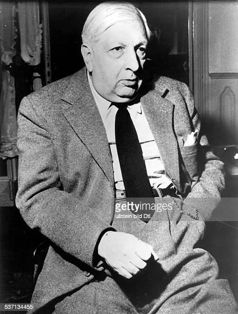 Chirico Giorgio de Maler Hauptvertreter der metaphysichen Malerei I Halbportrait 1955